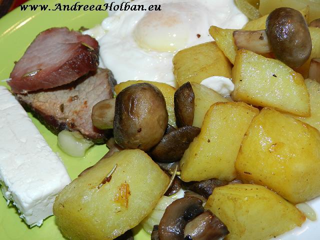 cartofi cu ciuperci, ou, telemea de capra si muschi afumat de casa