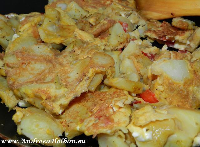 omleta cu cartofi si branza de capra