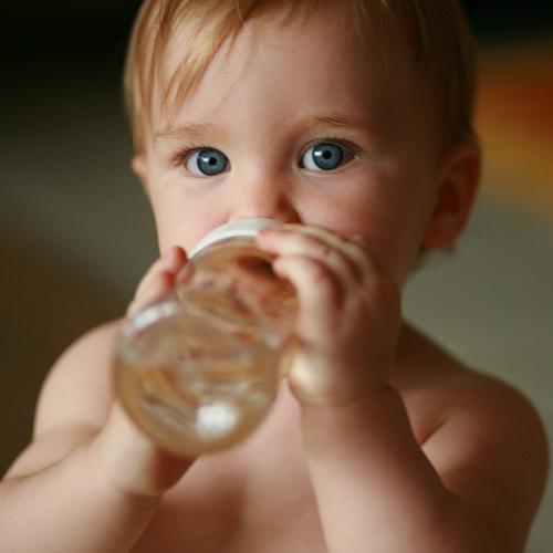 apa in alimentatia bebelusilor