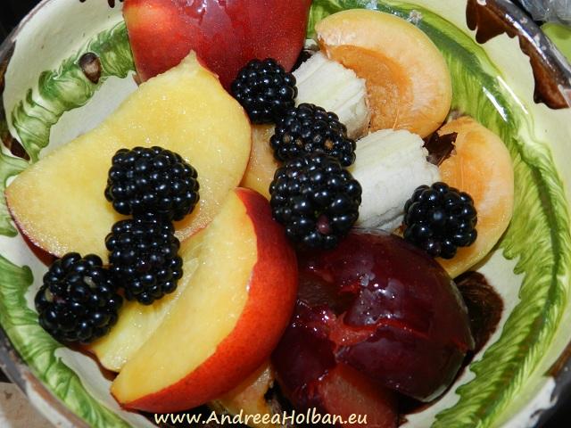 Piure de nectarina, pruna, banana, caisa si mure (dupa 12 luni)