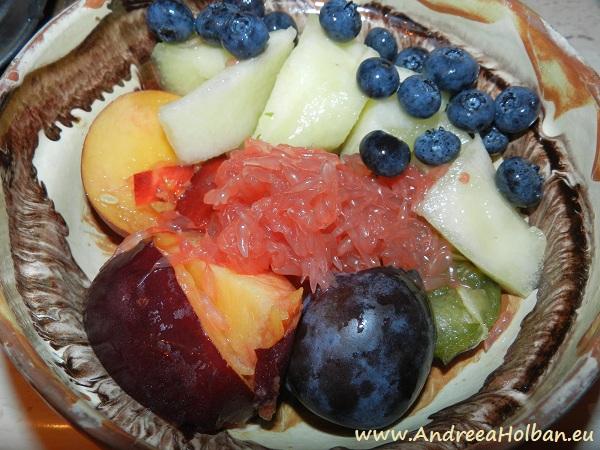 Piure de pruna, nectarina, grapefruit rosu, pepene galben si afine (dupa 12 luni)