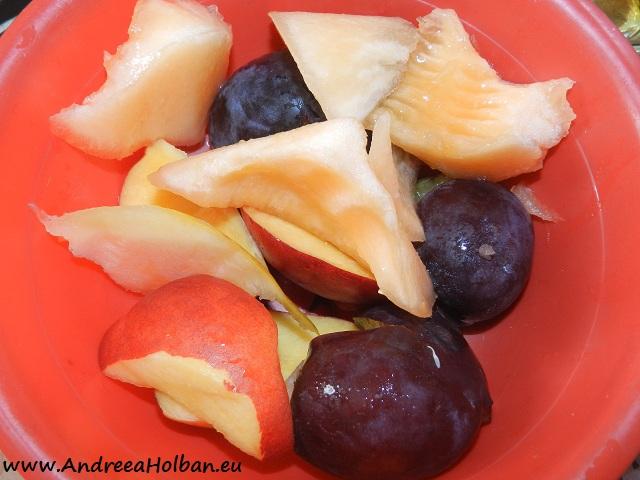 Piure de prune, nectarina si pepene galben (dupa 8 luni)