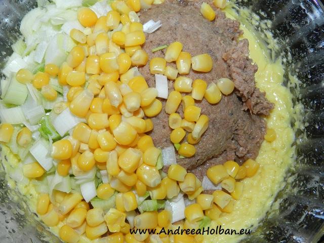 Salata de ton cu praz, porumb, cartof fiert in coaja si maioneza