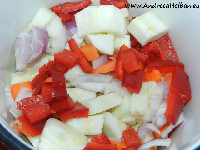 Supa crema de dovlecel cu morcov, ceapa si ardei capia (dupa 6 luni)