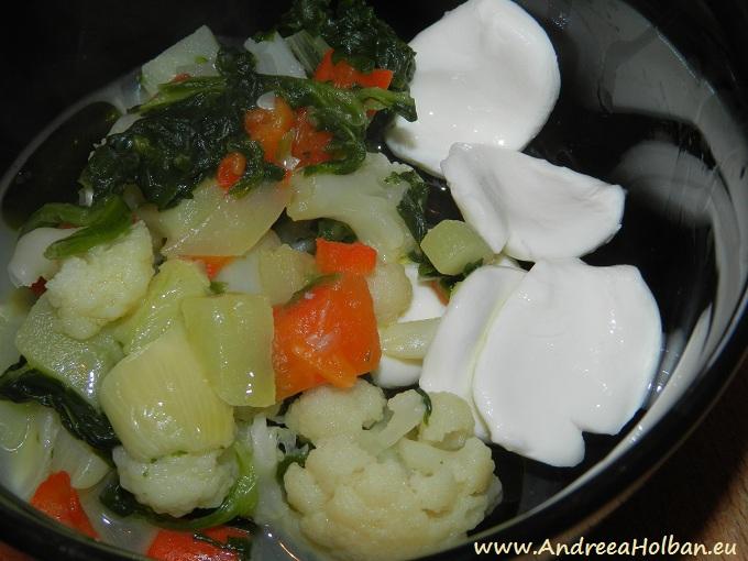 Mozzarella cu piure de conopida, spanac, dovlecel, ardei capia si usturoi (dupa 10 luni)