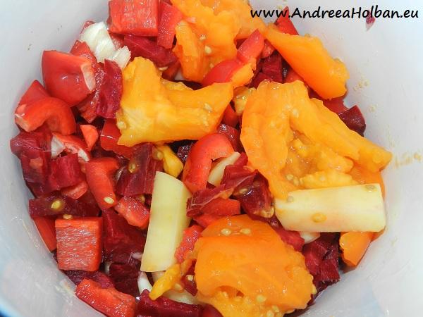 Supa crema de sfecla rosie, ardei capia, cartof, rosie portocalie si usturoi (dupa 10 luni)