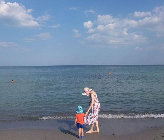 mare plaja vacanta concediu bebe
