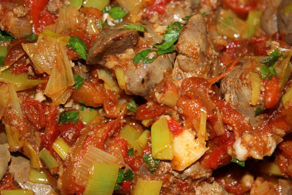 Mancarica de ficatei cu sos de rosii, praz, usturoi si ardei copti (dupa 10 luni)